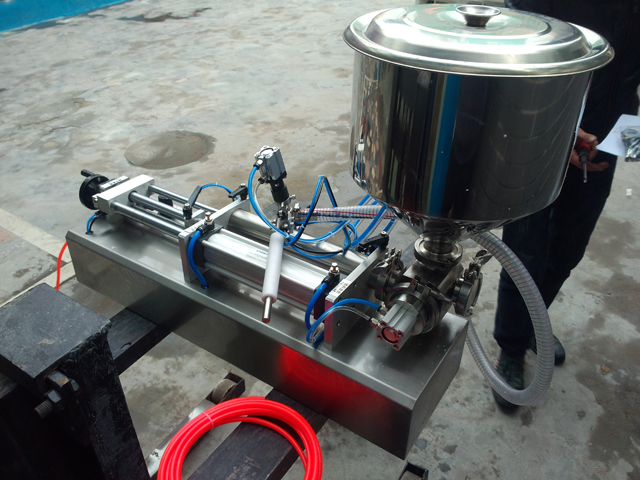filling machine ready for shipping after commissoning.jpg