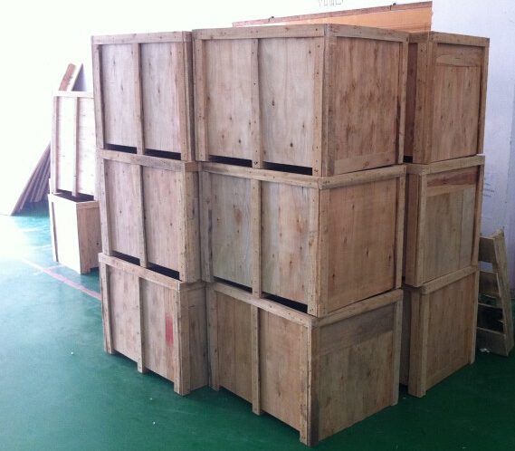 wooden case packing of red wine bottles labeling machine.jpg