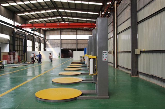 pallet stretch wrapping machine at workshop.jpg